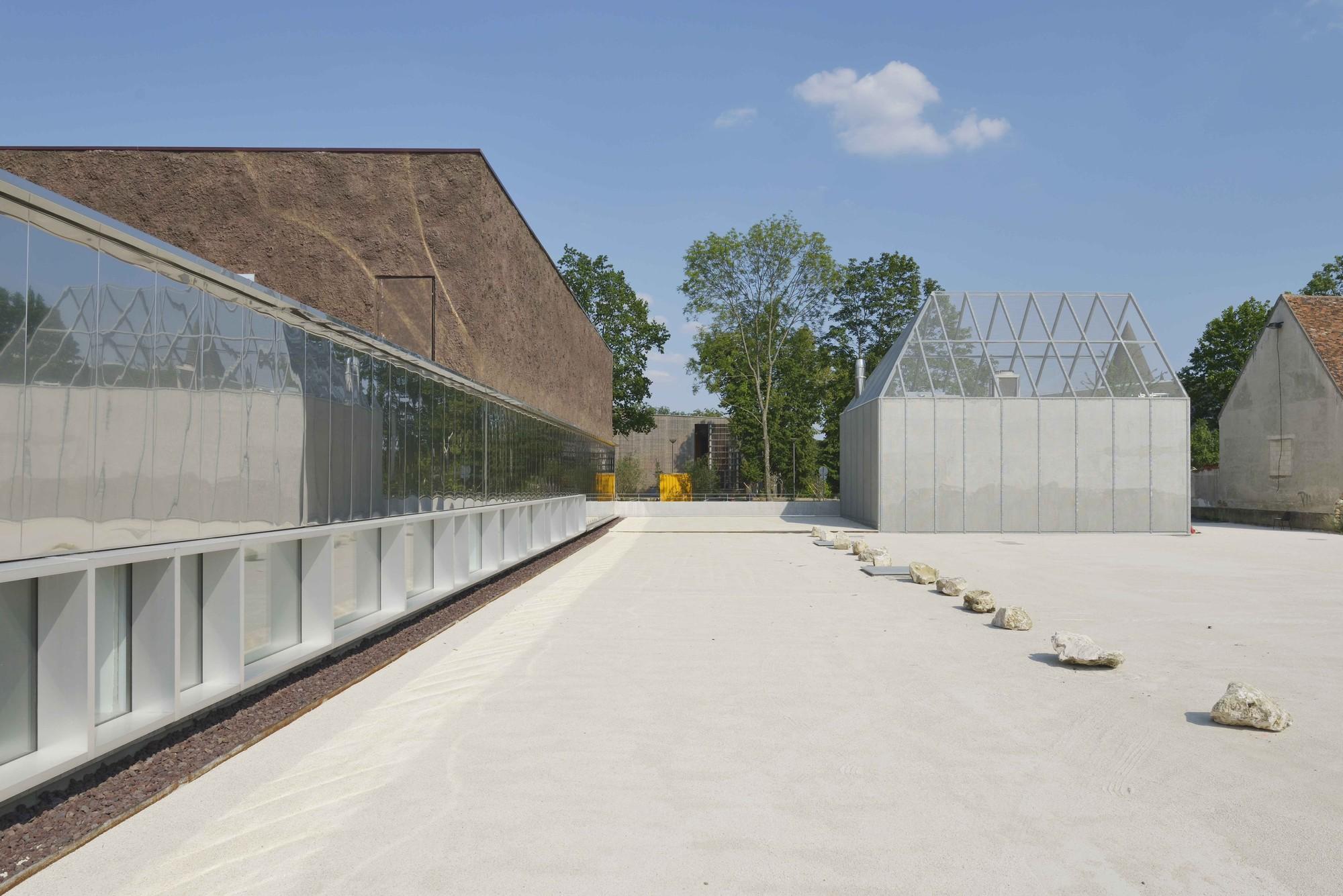 Marne-la-Vallée Library / Beckmann-N'Thépé Architects