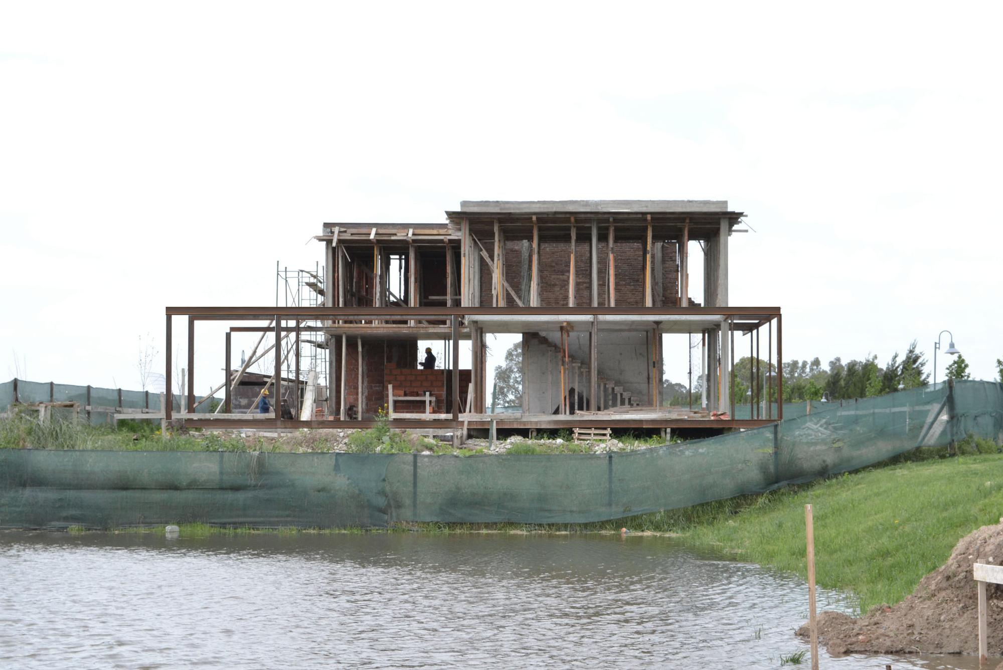 En Construcción: Casa Caffaro / Moscato Schere Todo Terreno, Cortesia de Moscato Schere Todo Terreno