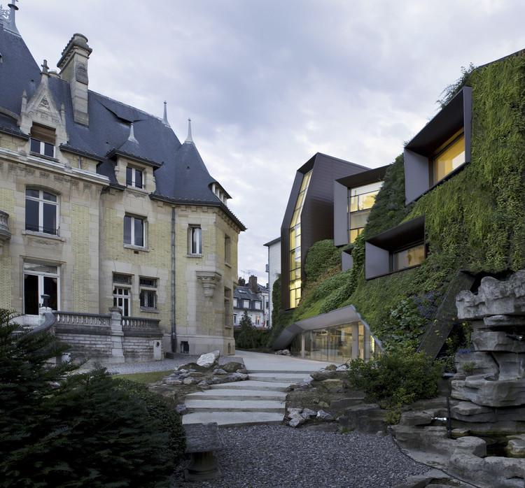 Cámara Regional de Comercio e Industria / Chartier-Corbasson Architects, © R.Meffre & Y.Marchand