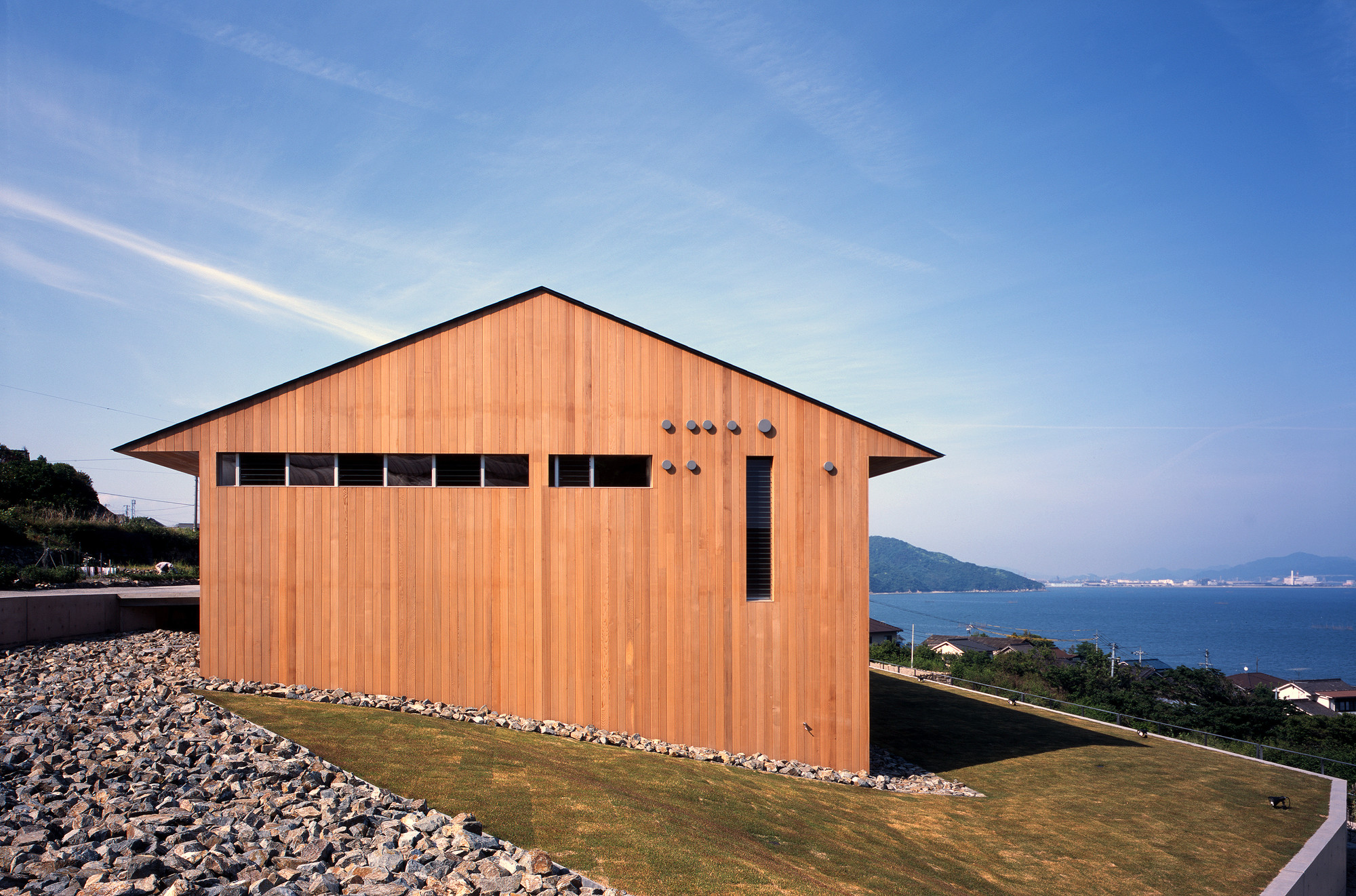 Gallery of air flow house uid architects 4 for Home air circulation