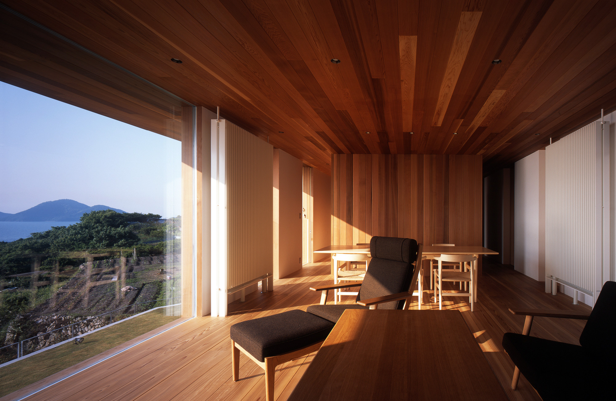 Gallery of air flow house uid architects 7 for Home air circulation