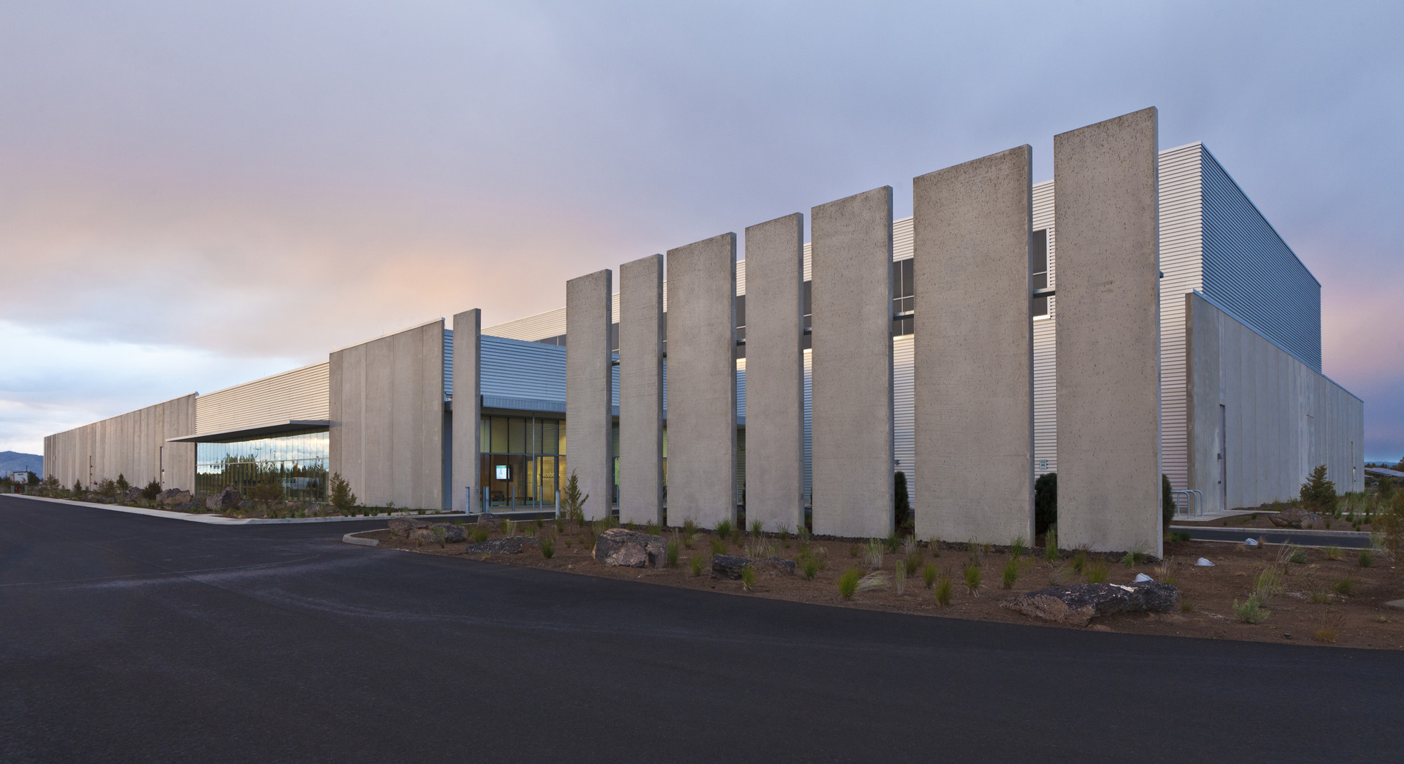Facebook Prineville Data Center / Sheehan Partners, © Jonnu Singleton