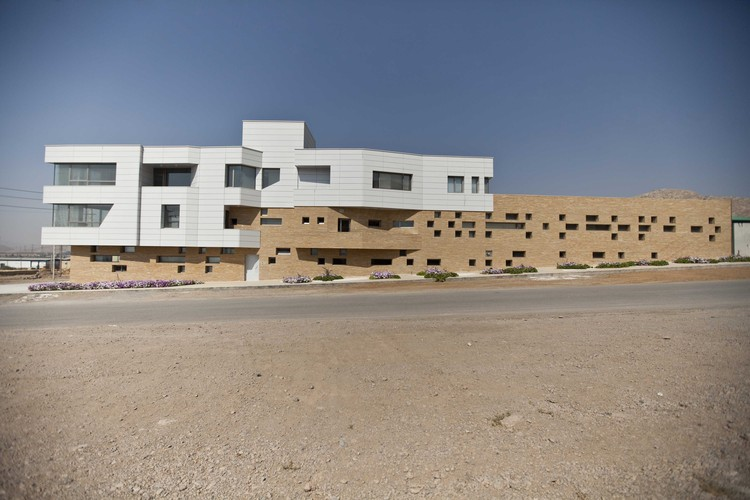 DGS-Co Office Building / Ayeneh Office, © Farshid Nasrabadi