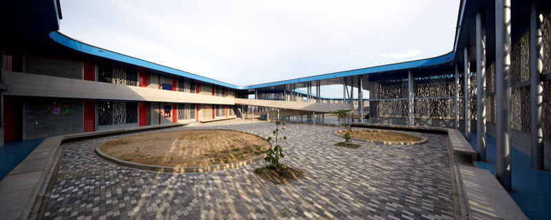 Gallery of Flor del Campo Educational Center / Giancarlo ...
