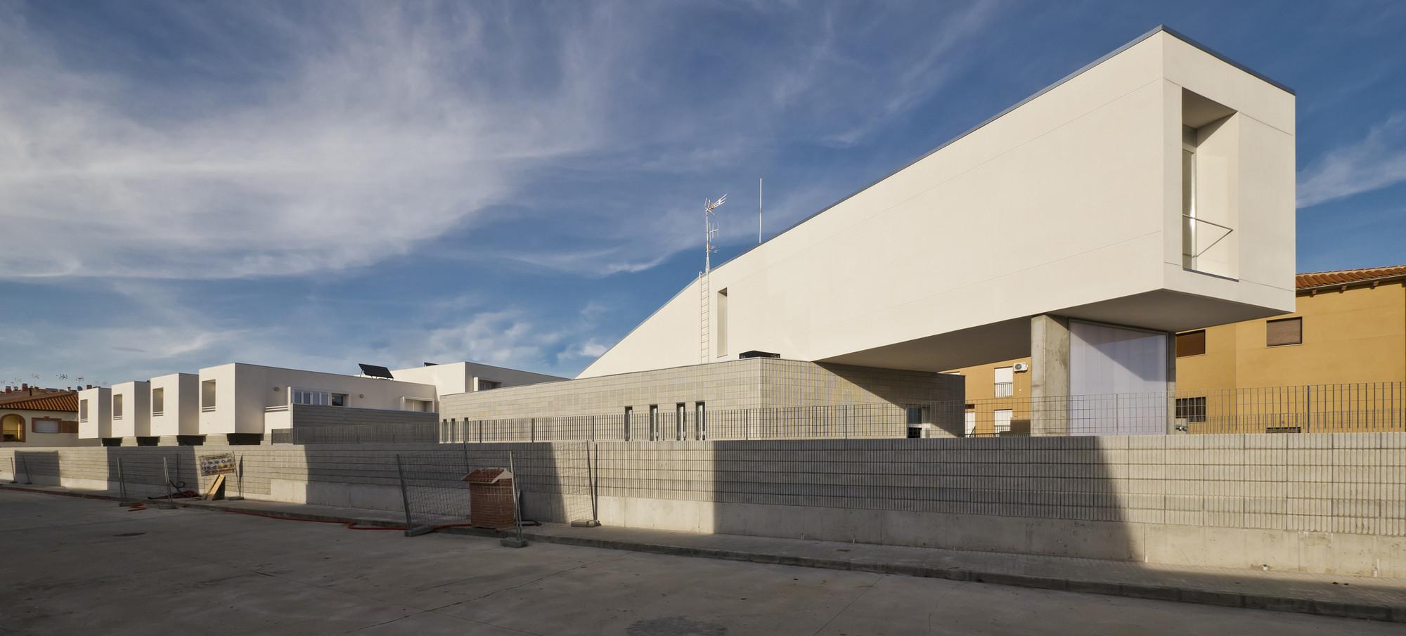 Casa Cuartel Guardia Civil de Malpartida de Plasencia / MUDAARQUITECTURA, © Juan Carlos Quindós