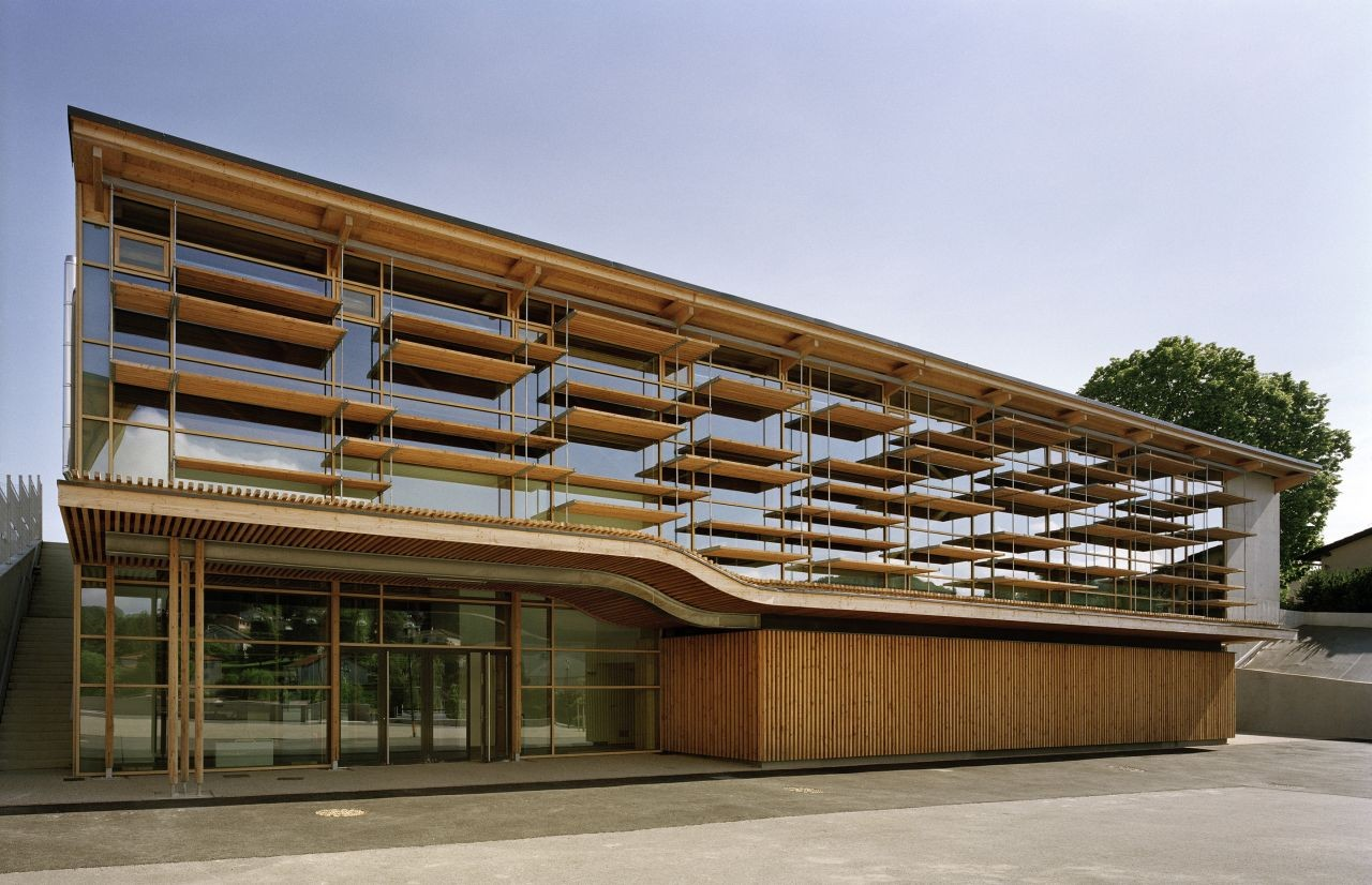 Sunny gymnasium tekhn architectes archdaily for Schule design