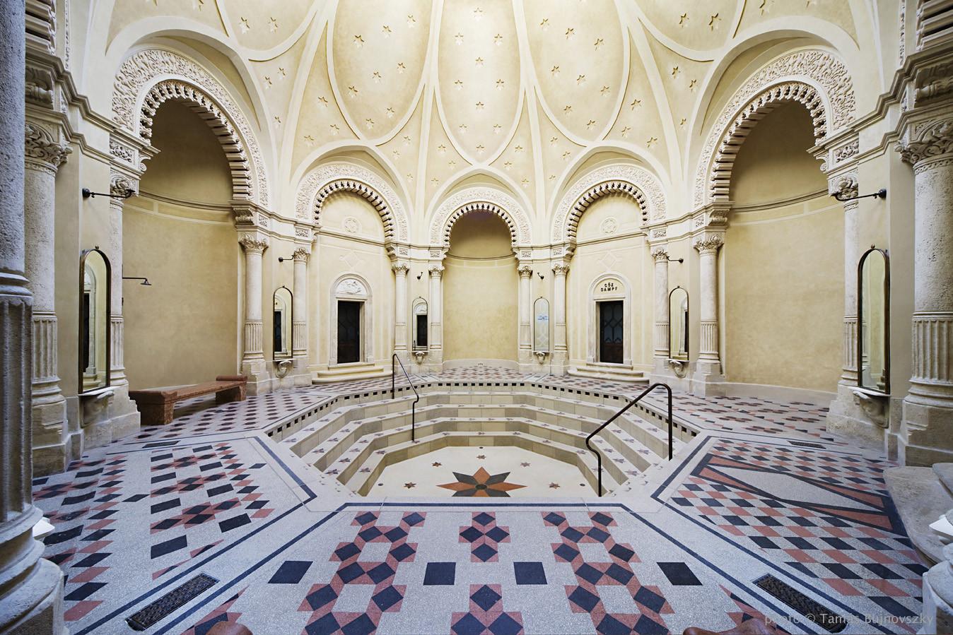 Rácz Thermal Bath / Budapesti Műhely