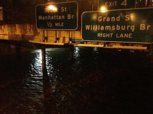 "Twitter User @kristengwynne ""This photo of FDR drive under water is the best I got so far pic.twitter.com/cvfrAM2M"""