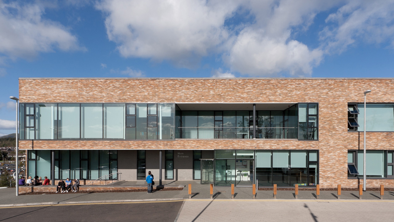 Forth Valley College / Reiach and Hall Architects