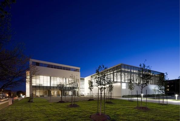 Cartierville Y Centre / Daoust Lestage
