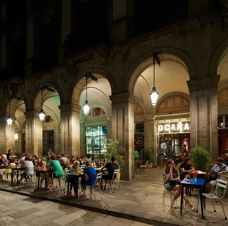 Ocaña Bar and Club in Barcelona / Ocaña, © Iñigo Bujedo Aguirre