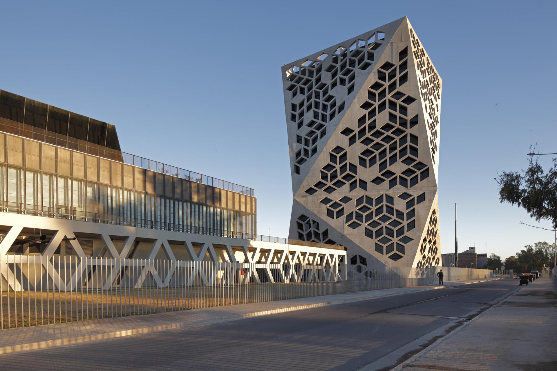 Bicentennial Civic Center / Lucio Morini + GGMPU Arquitectos, © Claudio Manzoni