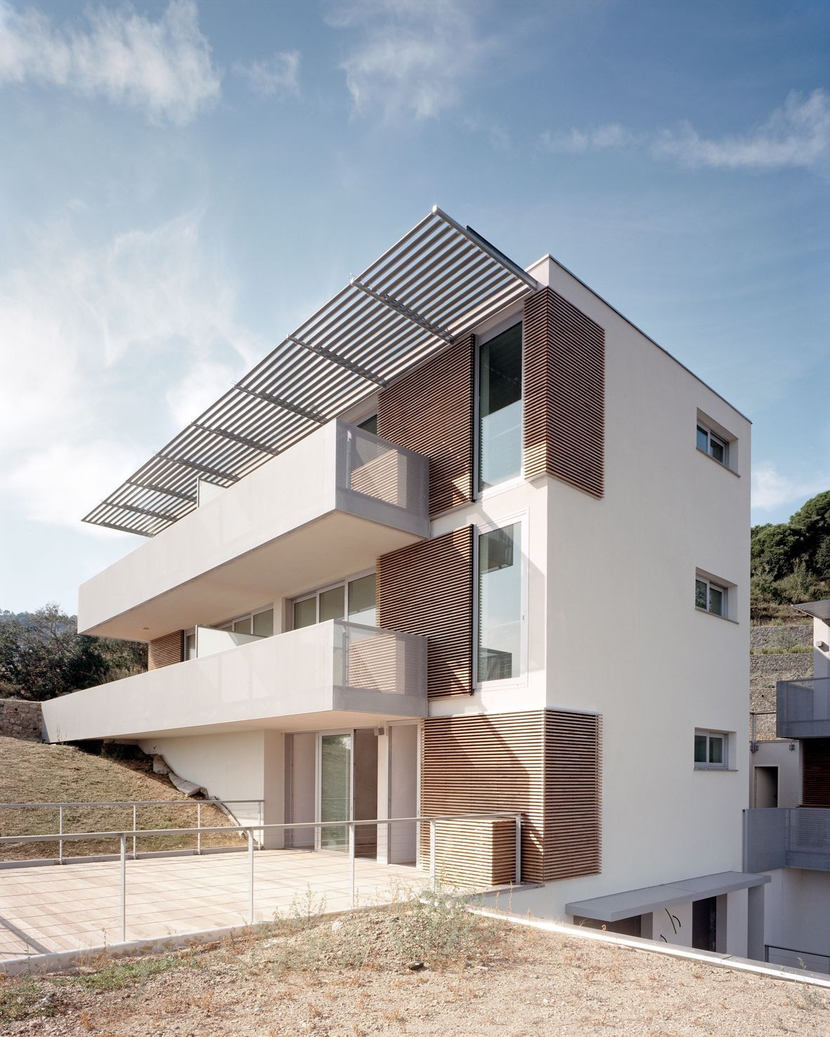 Dwellings in Spotorno / Ariu + Vallino Architects