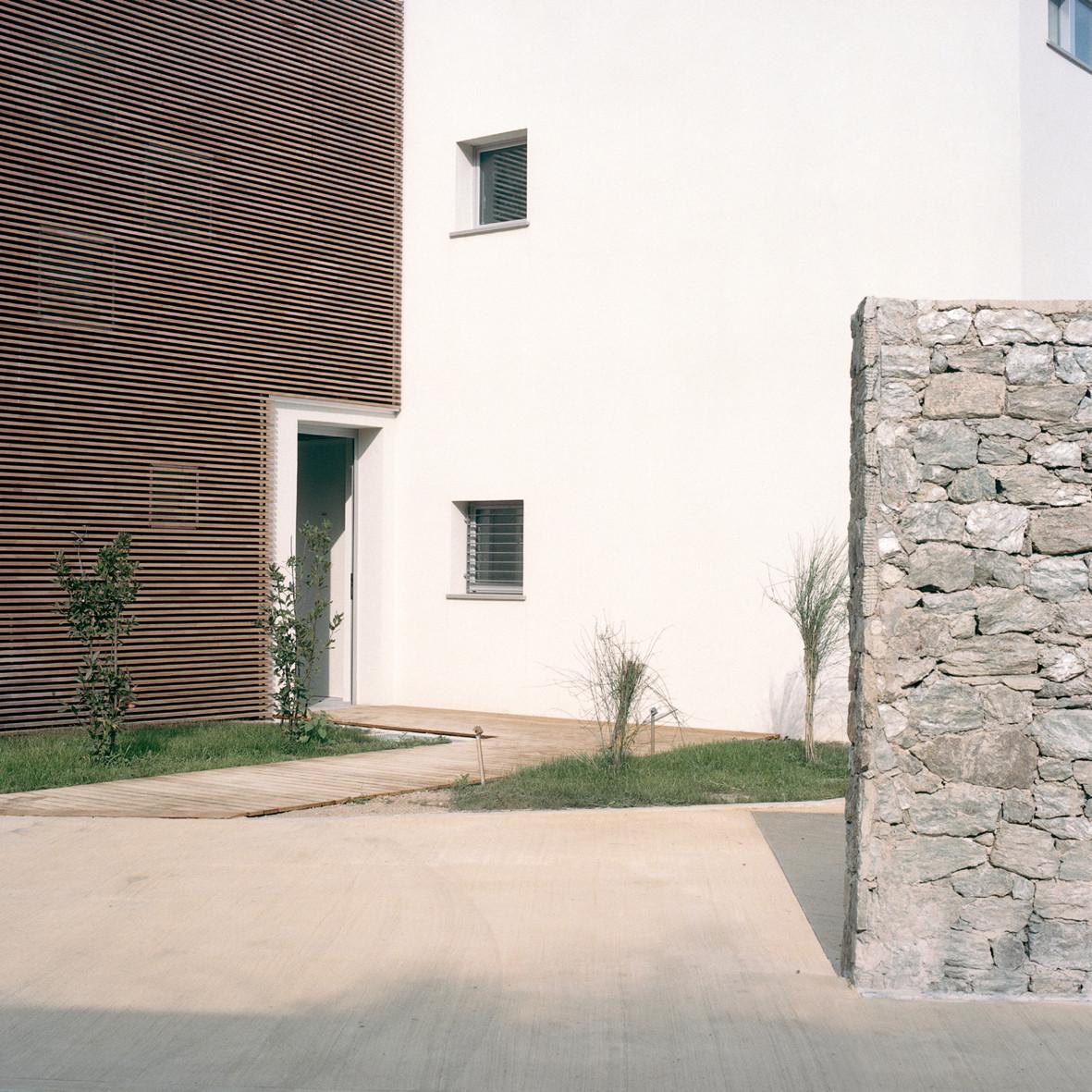 Dwellings in Spotorno / Ariu + Vallino Architects