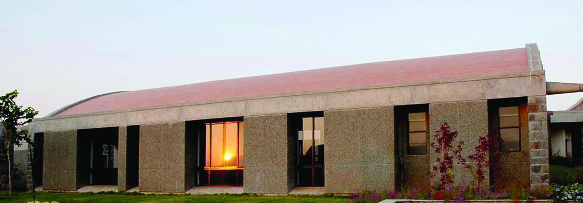 The Heritage School  / Madhav Joshi and Associates