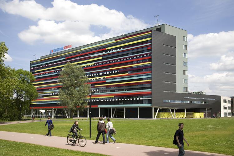 Departamento de Educación Hogeschool Utrecht / Ector Hoogstad Architecten, © Marcel van Kerckhoven