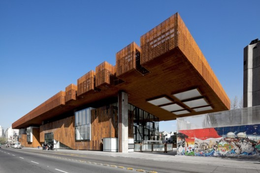Gabriela Mistral Cultural Center, by Cristian Fernandez Arquitectos and Lateral Arquitectura & Diseño, in Chile. For its stability and free trade agreements, Xavier Rodriguez decided to set up his international firm in Chile. Image © Nicolas Saieh