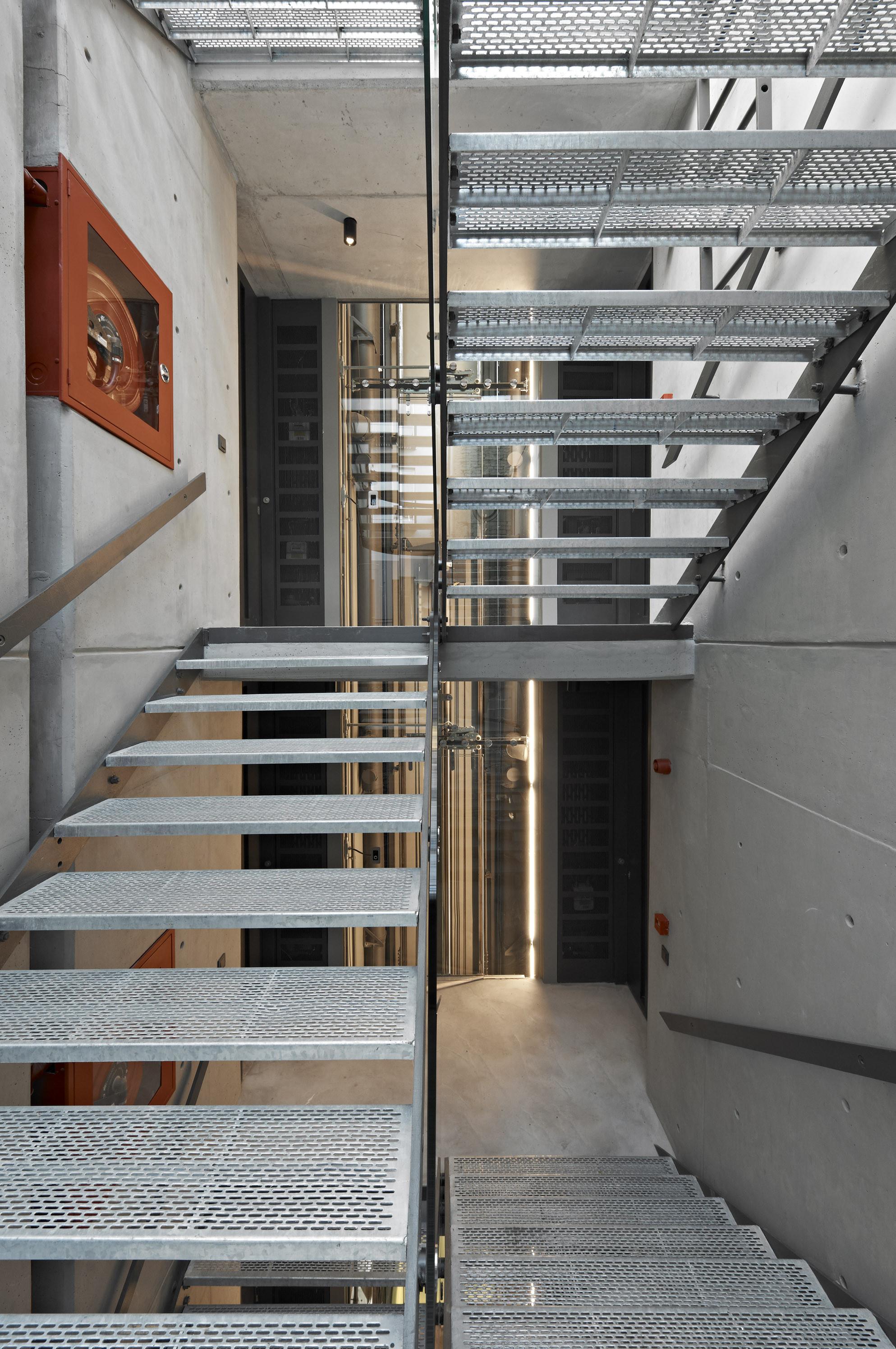 gallery of pera 25 alata architecture consulting 17. Black Bedroom Furniture Sets. Home Design Ideas