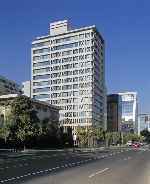Manantiales Building / Izquierdo Lehmann Arquitectos, Courtesy of Izquierdo Lehmann
