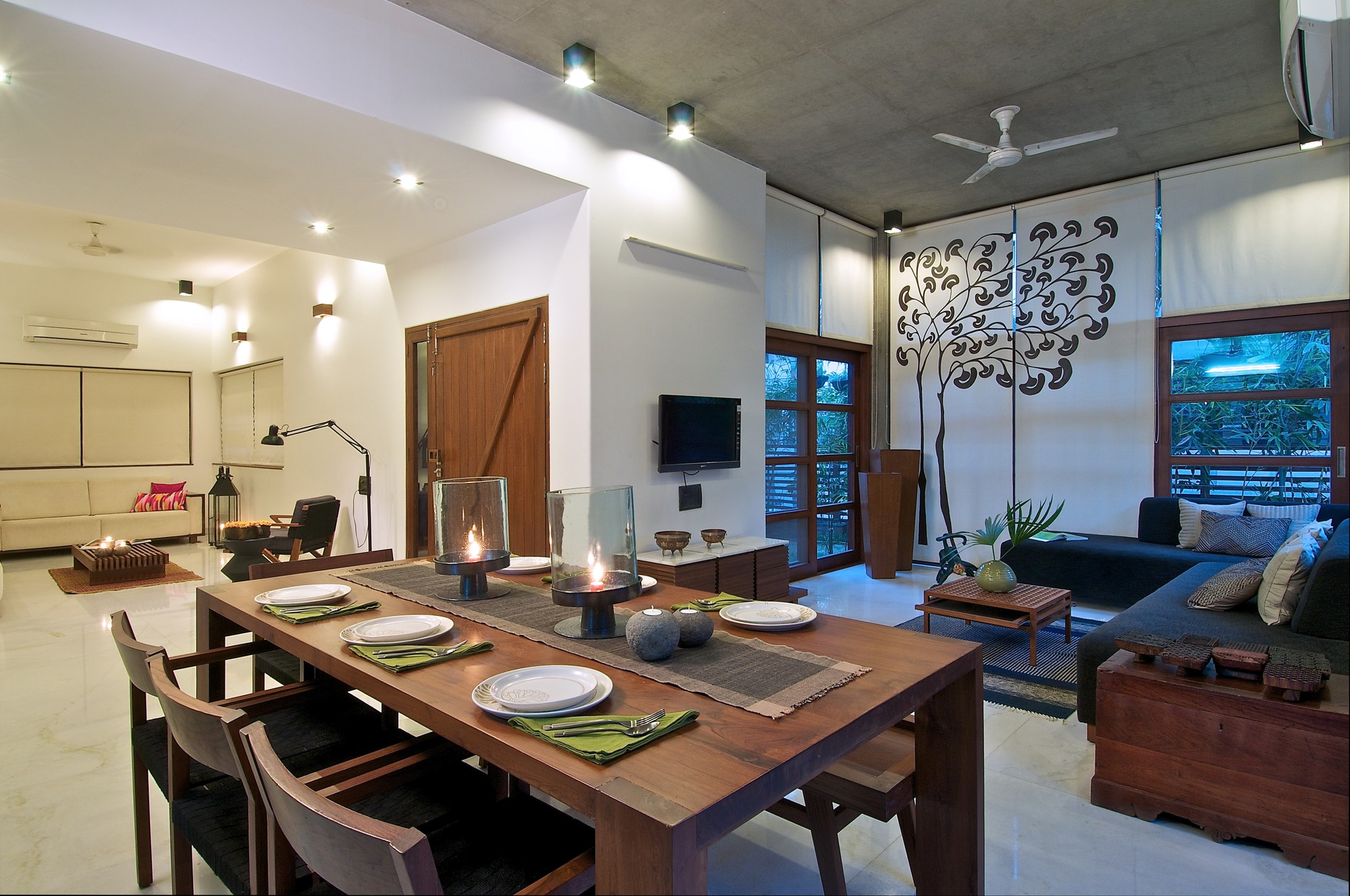 Gallery of the green house hiren patel architects 6 for Contemporary kitchen family room ideas