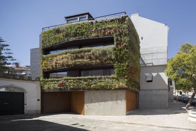 House in Travessa de Patrocinio / Luis Rebelo de Andrade e Tiago Rebelo de Andrade, © Fernando Guerra |  FG+SG