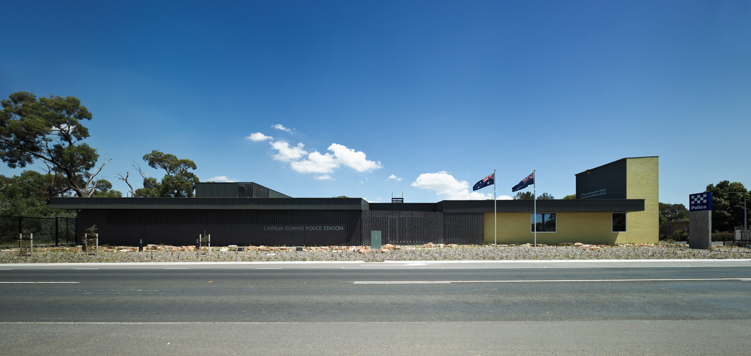 Carrum Downs Police Station / Kerstin Thompson Architects, © Peter Bennetts