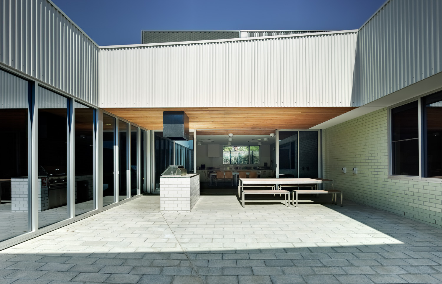Carrum Downs Police Station / Kerstin Thompson Architects