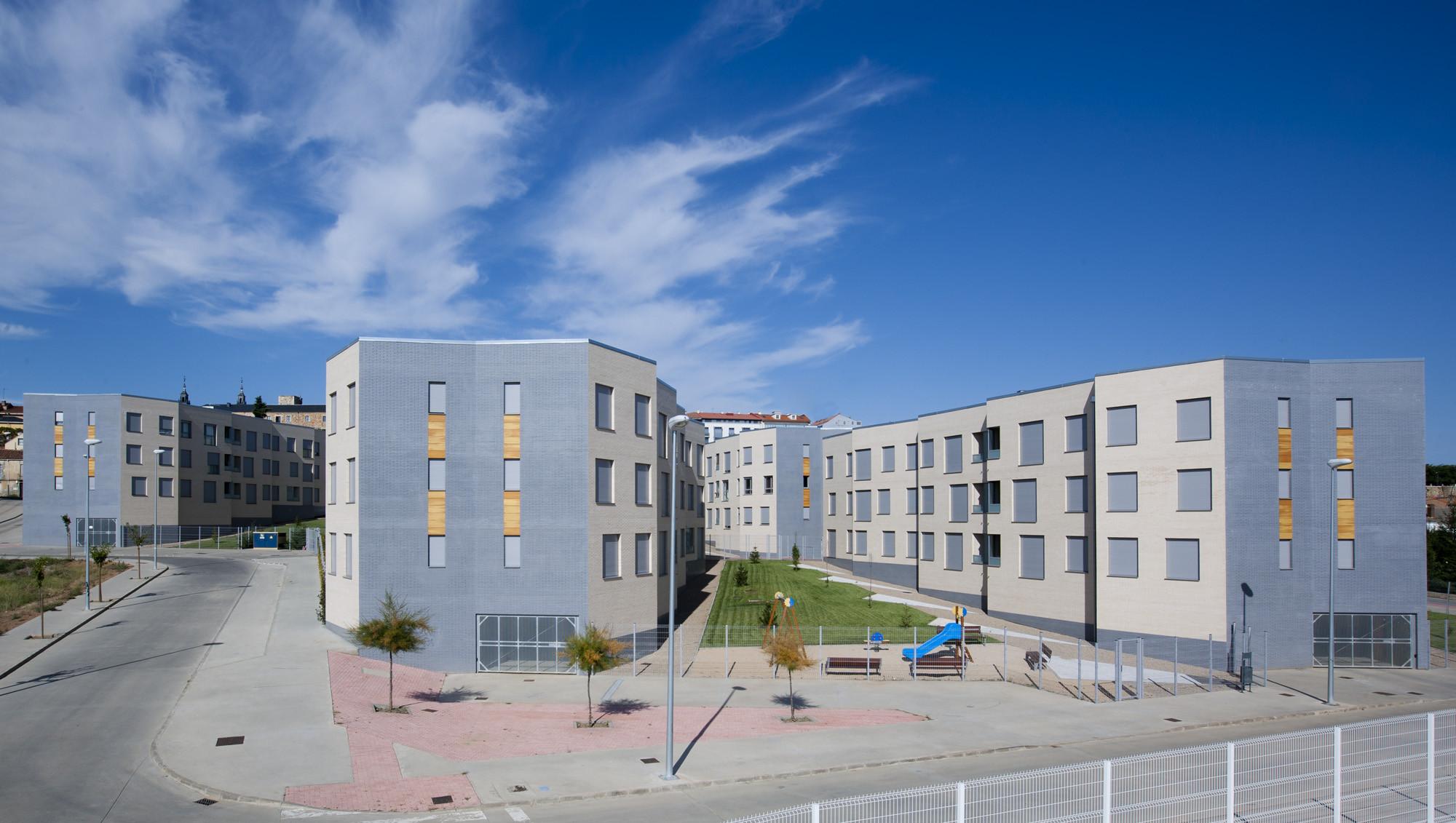 Parcial Plan R-8 (90 + 15 housing) / Virginiaarq
