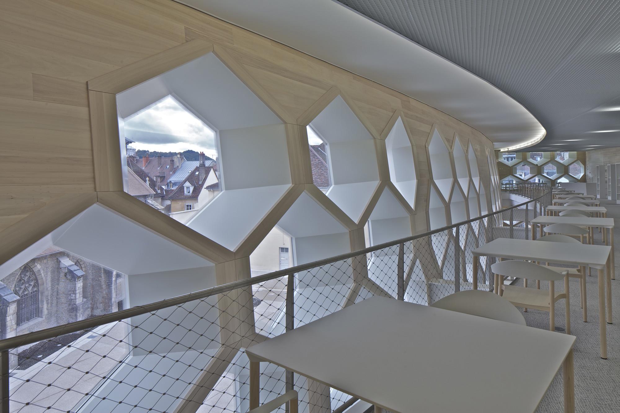 gallery of lons le saunier mediatheque du besset lyon architectes 15. Black Bedroom Furniture Sets. Home Design Ideas