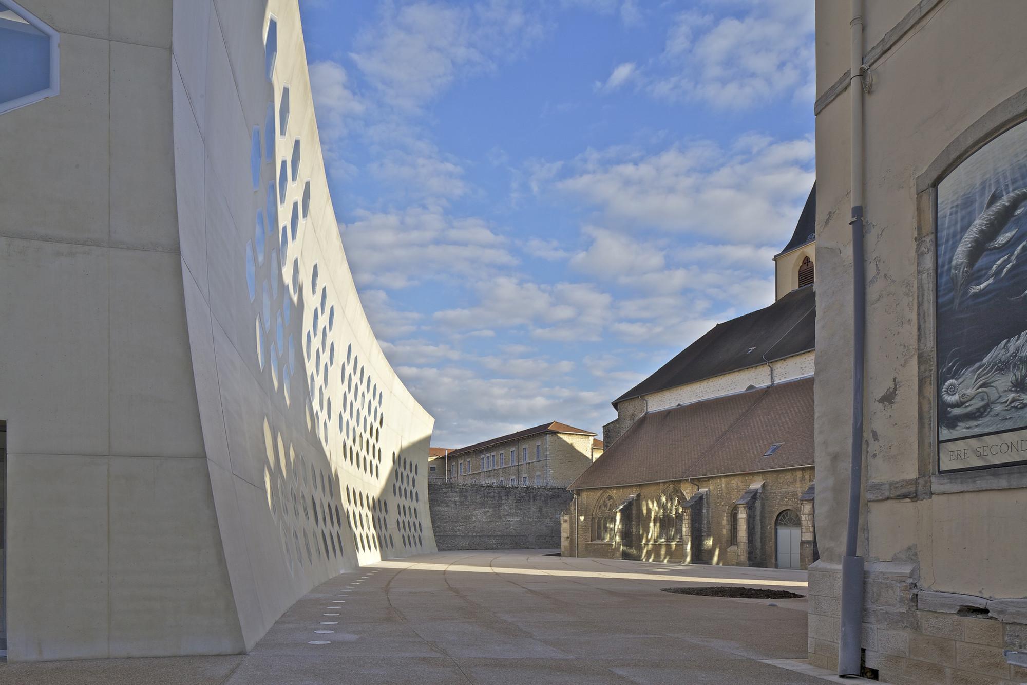 gallery of lons le saunier mediatheque du besset lyon architectes 8. Black Bedroom Furniture Sets. Home Design Ideas