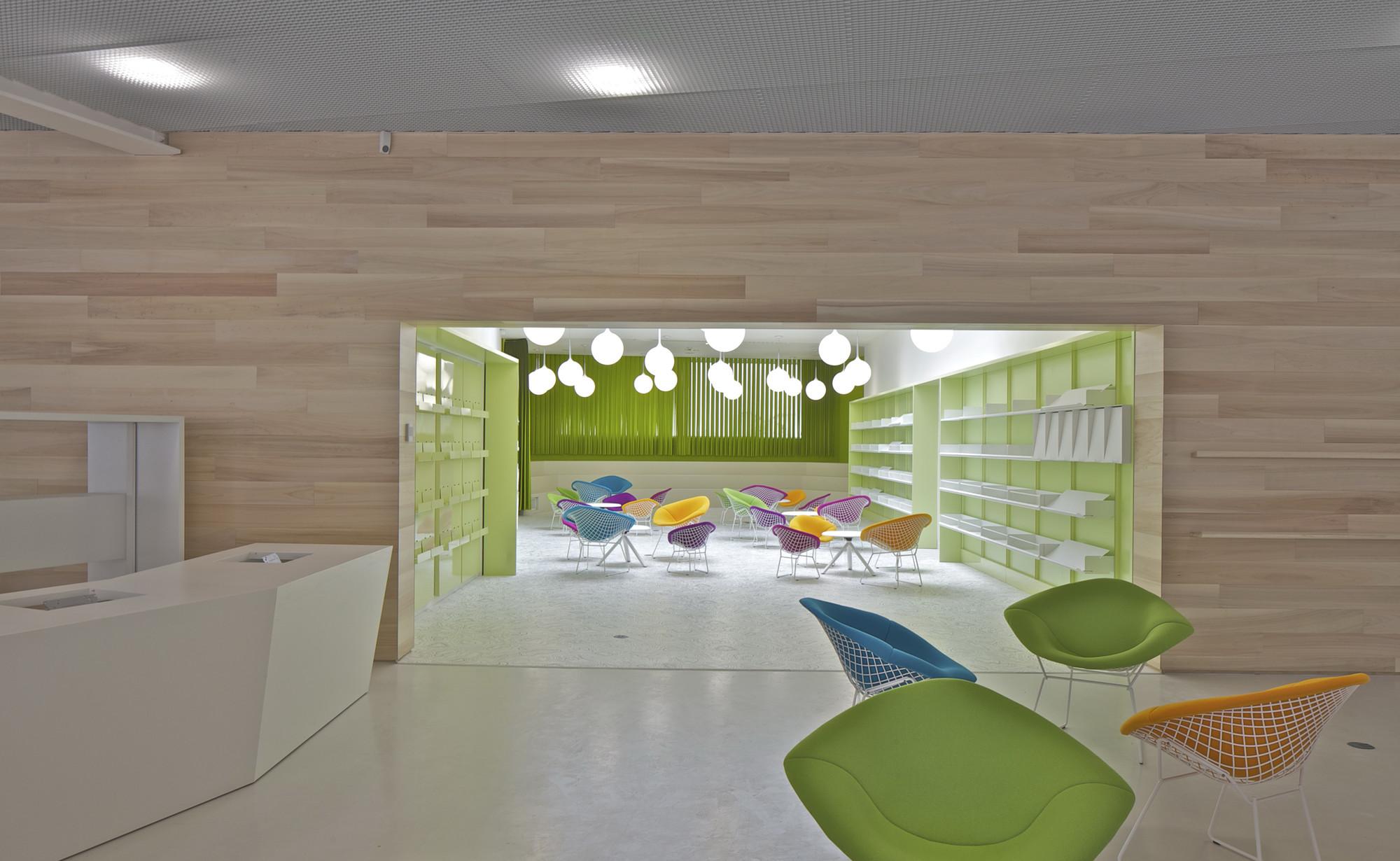 gallery of lons le saunier mediatheque du besset lyon architectes 20. Black Bedroom Furniture Sets. Home Design Ideas