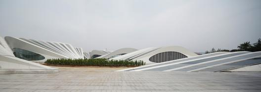 © Zhenfei Wang, Chenggui Wang
