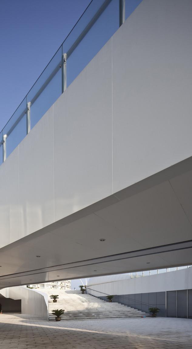 Visitor Center / HHD_FUN Architects