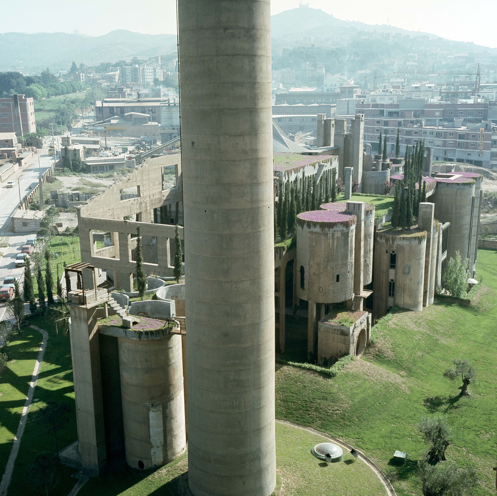 Gallery Of The Factory / Ricardo Bofill