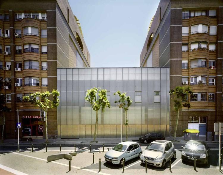 Residência e Centro de dia para Problemas Psiquiátricos  / Aldayjover Arquitectura y Paisaje, © Jordi Bernadó