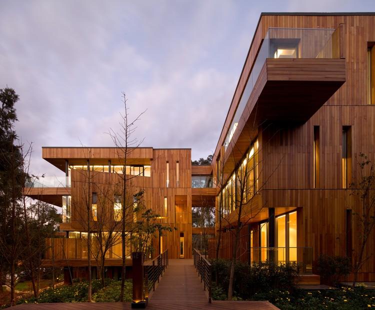 Innhouse Eco Hotel / Oval Partnership, Cortesía de Oval Partnership