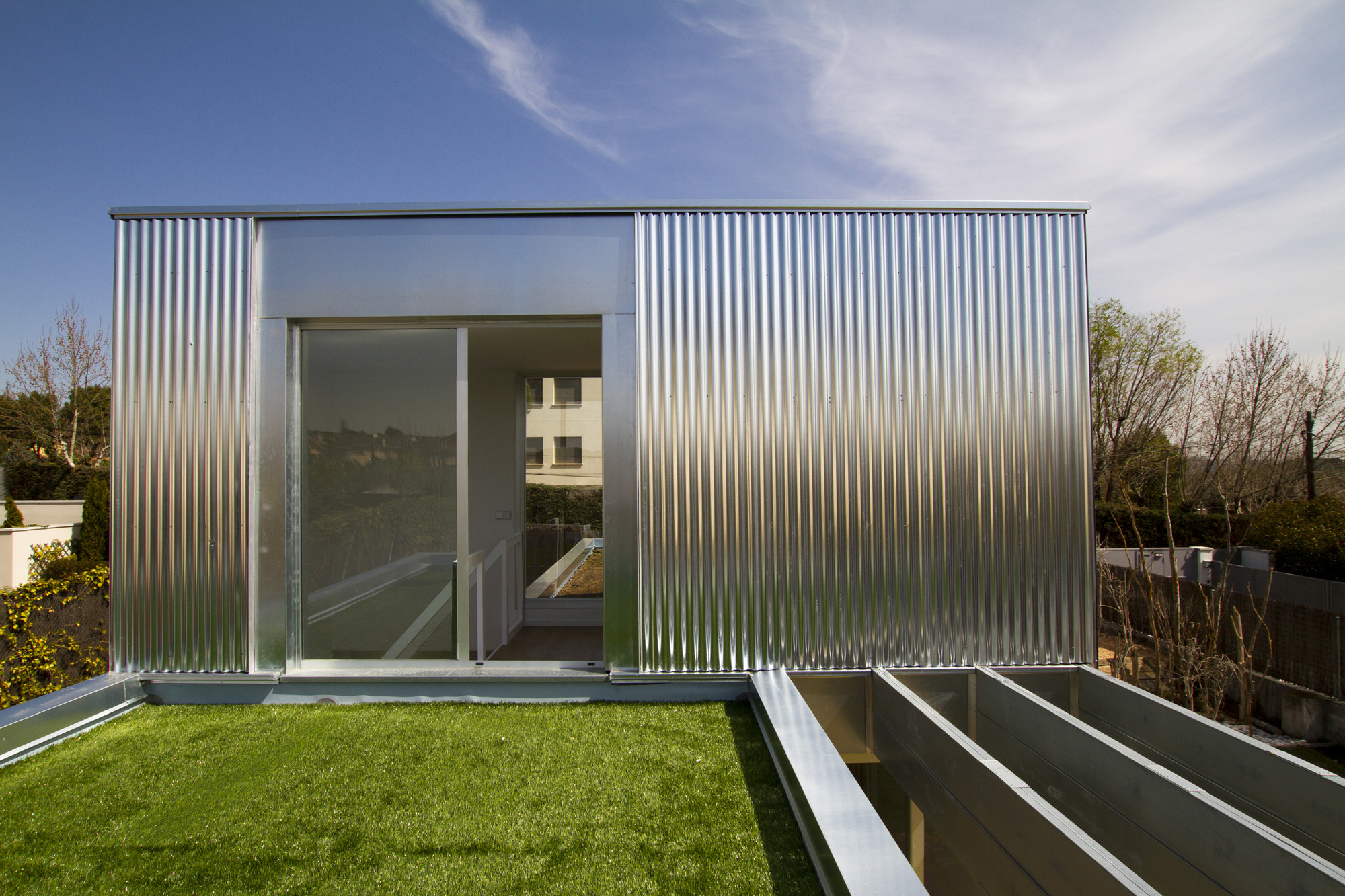 Open Modular System of Sustainable Houses (SAVMS) / Cso Arquitectura