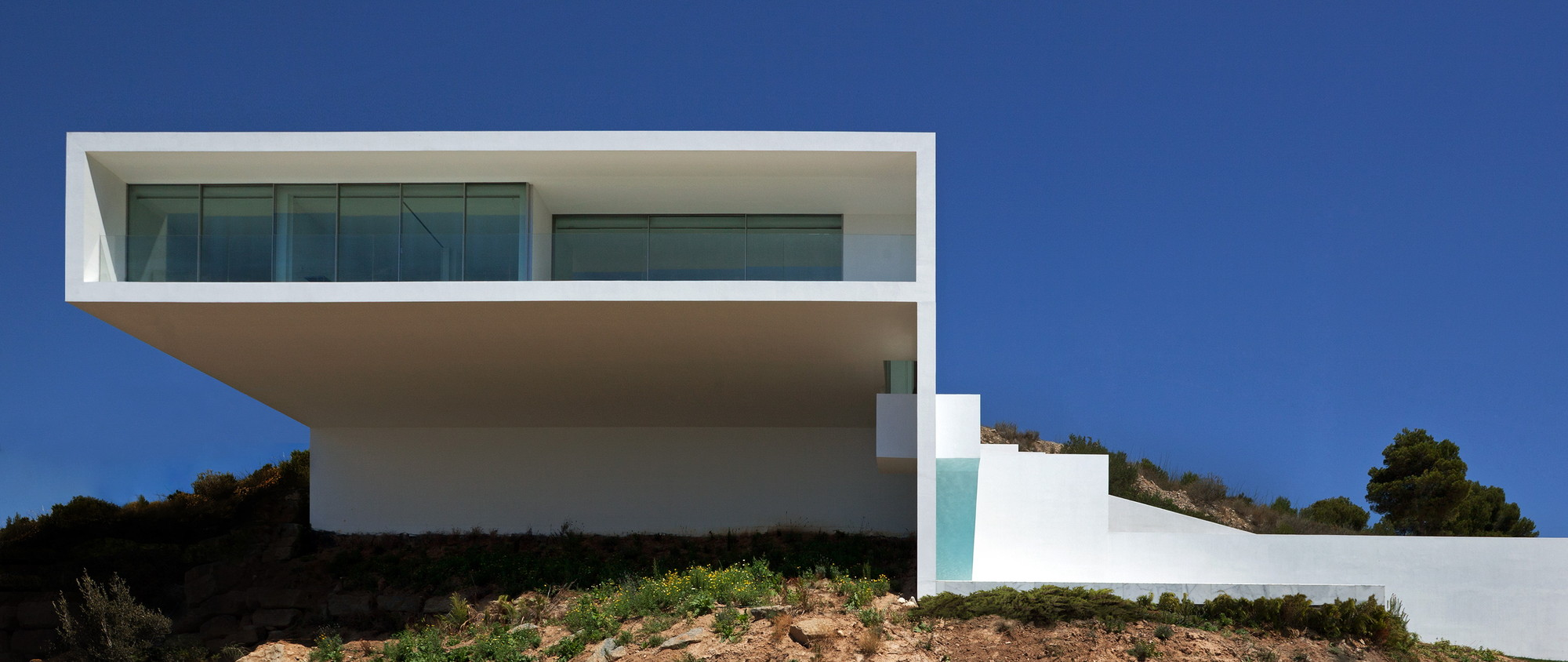 Gallery of house on the cliff fran silvestre arquitectos 3 for Fran silvestre house on the cliff