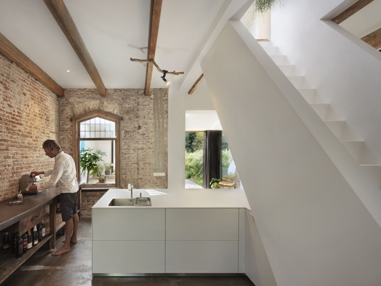 Railway House Santpoort / Zecc Architects