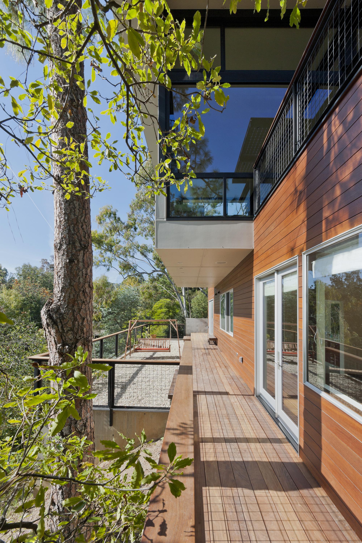 Broom Way Residence / Nonzero\Architecture