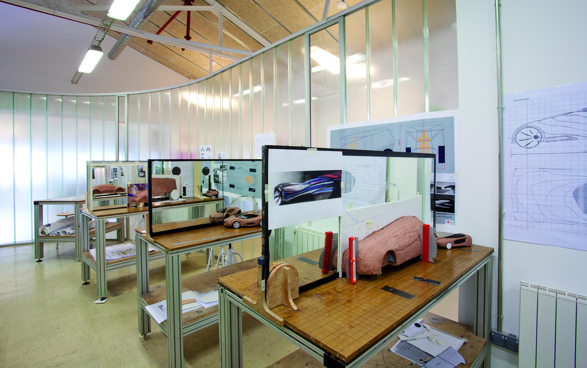 Rebuilding of Macson Former Textil / Franconi González Architects