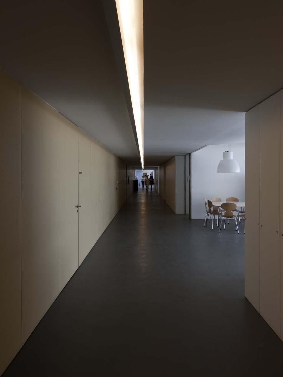 Hotel & Catering School / Eduardo Souto de Moura + Graça Correia
