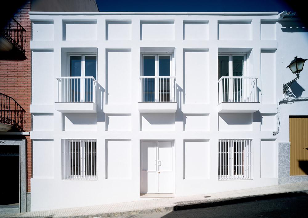 Casa con una Escalera Colgante / Francisco J. Nicolás Ruy-Díaz, © Javier Orive