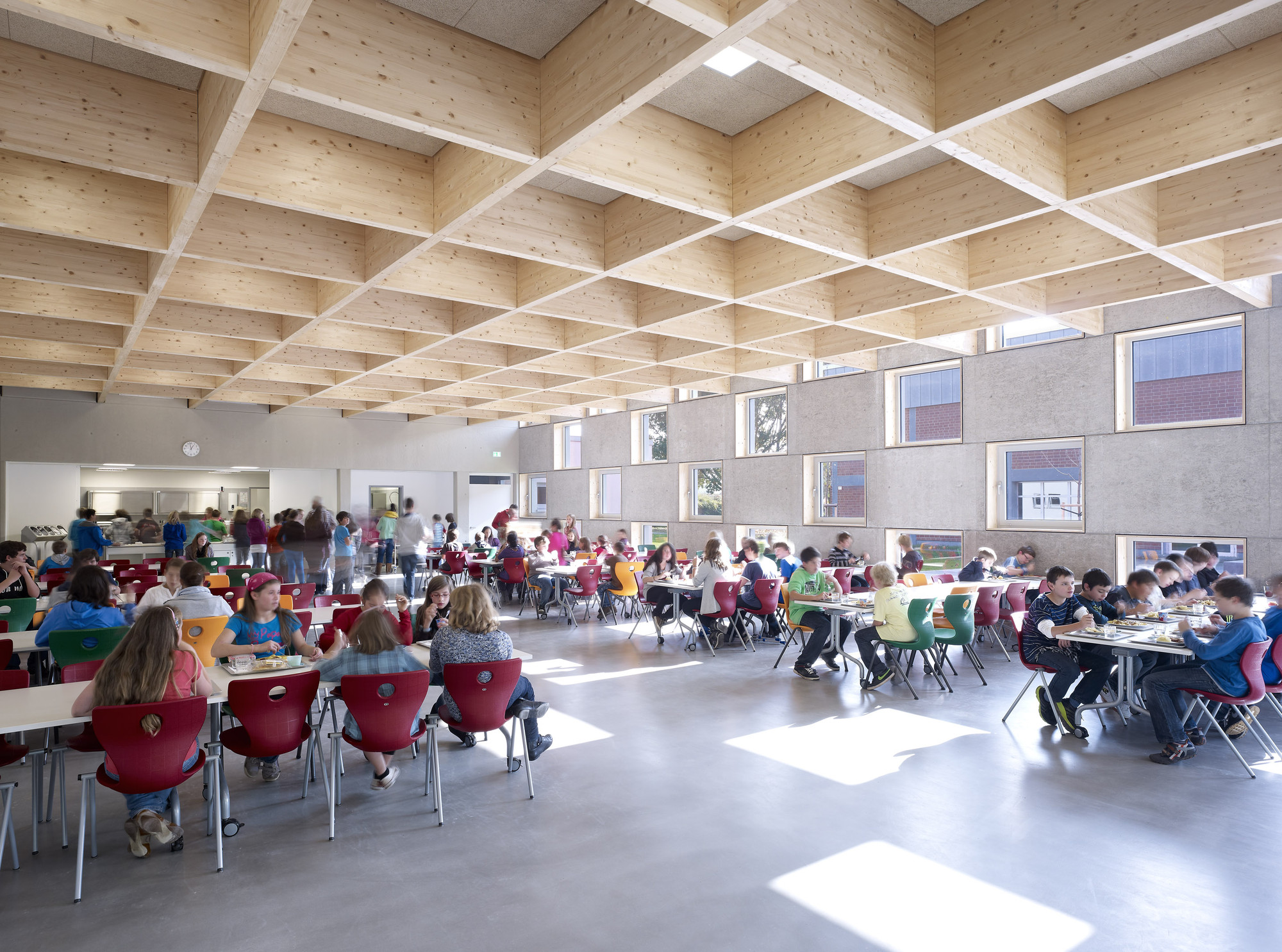 Image Gallery school canteen