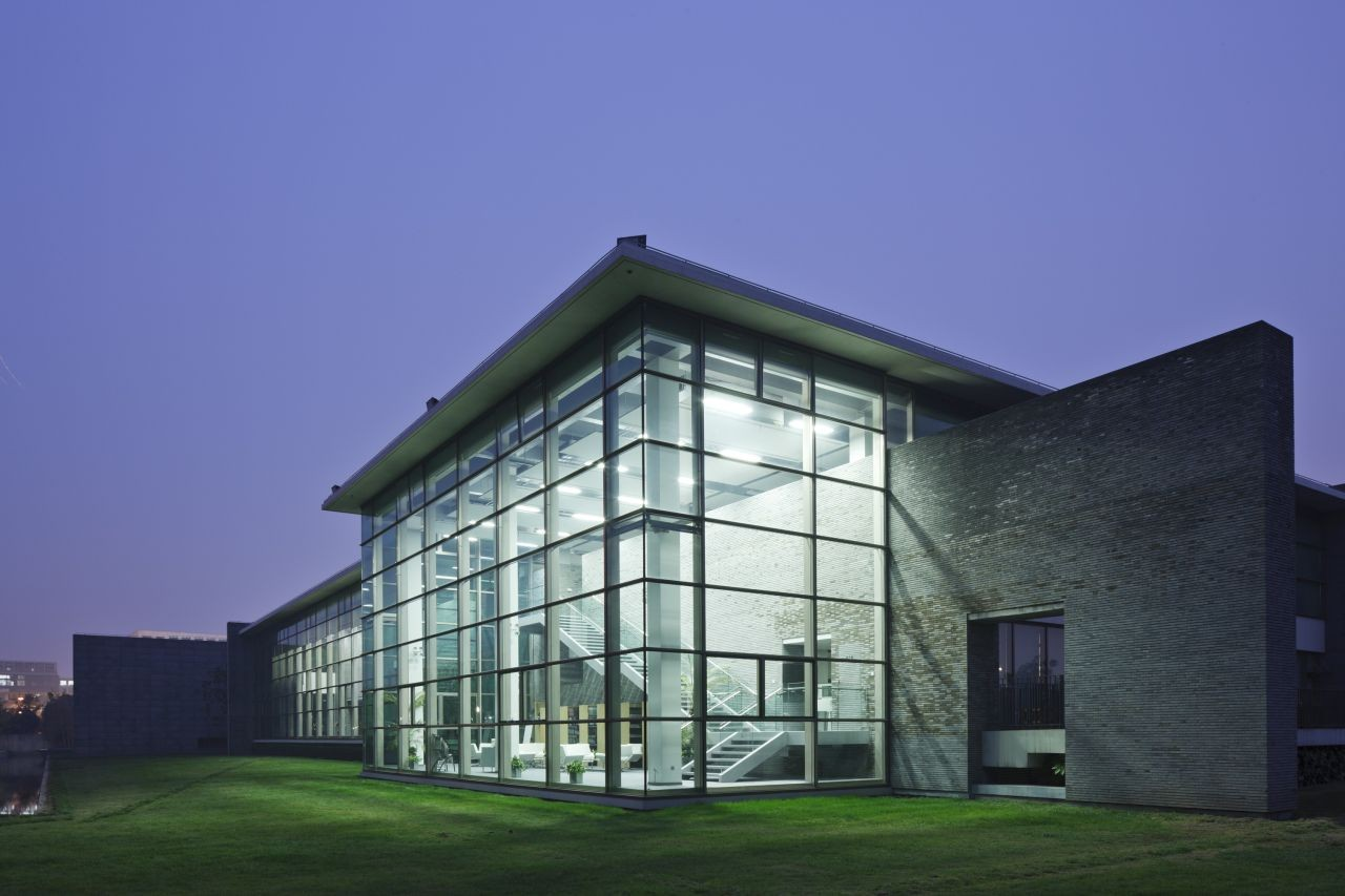 Shanghai Vanke Headquarters / Tsushima Design Studio, © Masao Nishikawa