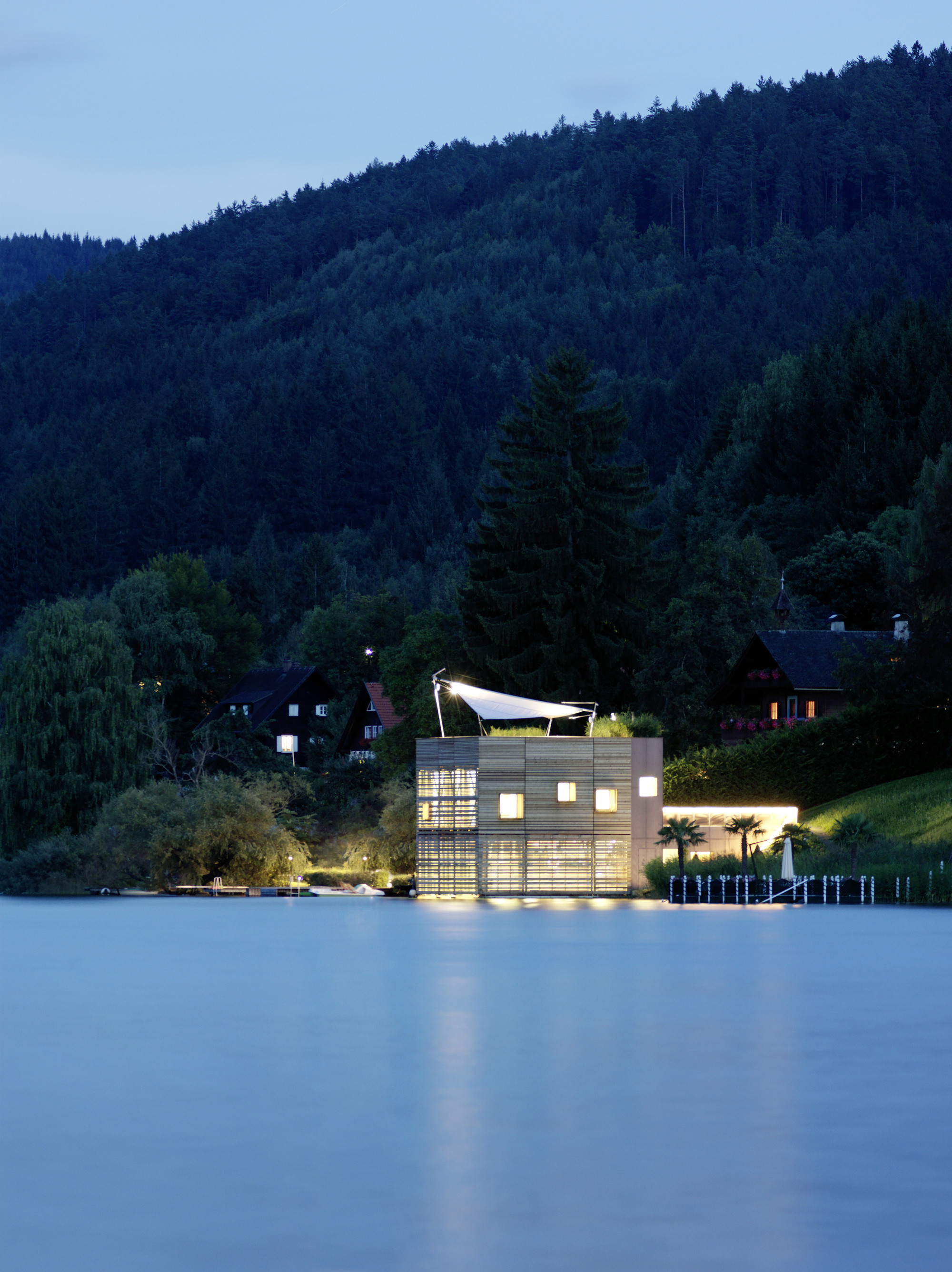Boat's House at Millstätter Lake / MHM architects