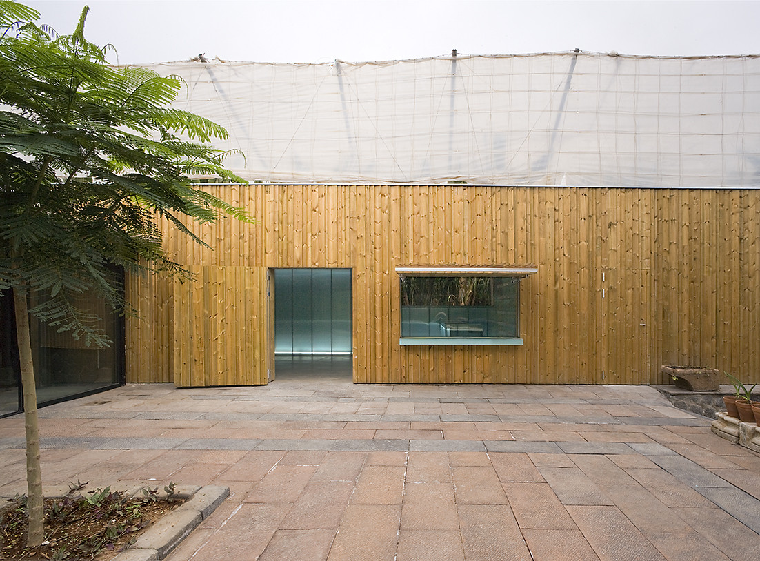 Multipurpose Hall Finca del Lomo / Equipo Olivares Arquitectos, © José Oller