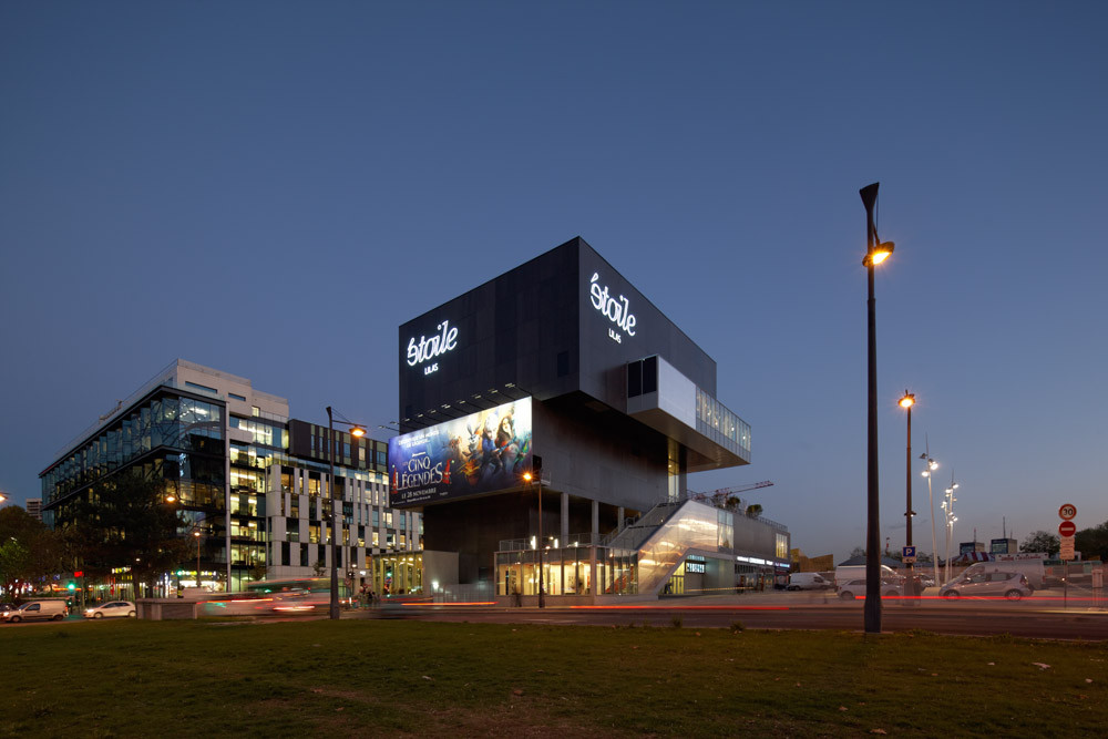 gallery of etoile lilas cinema hardel et le bihan architectes 19. Black Bedroom Furniture Sets. Home Design Ideas