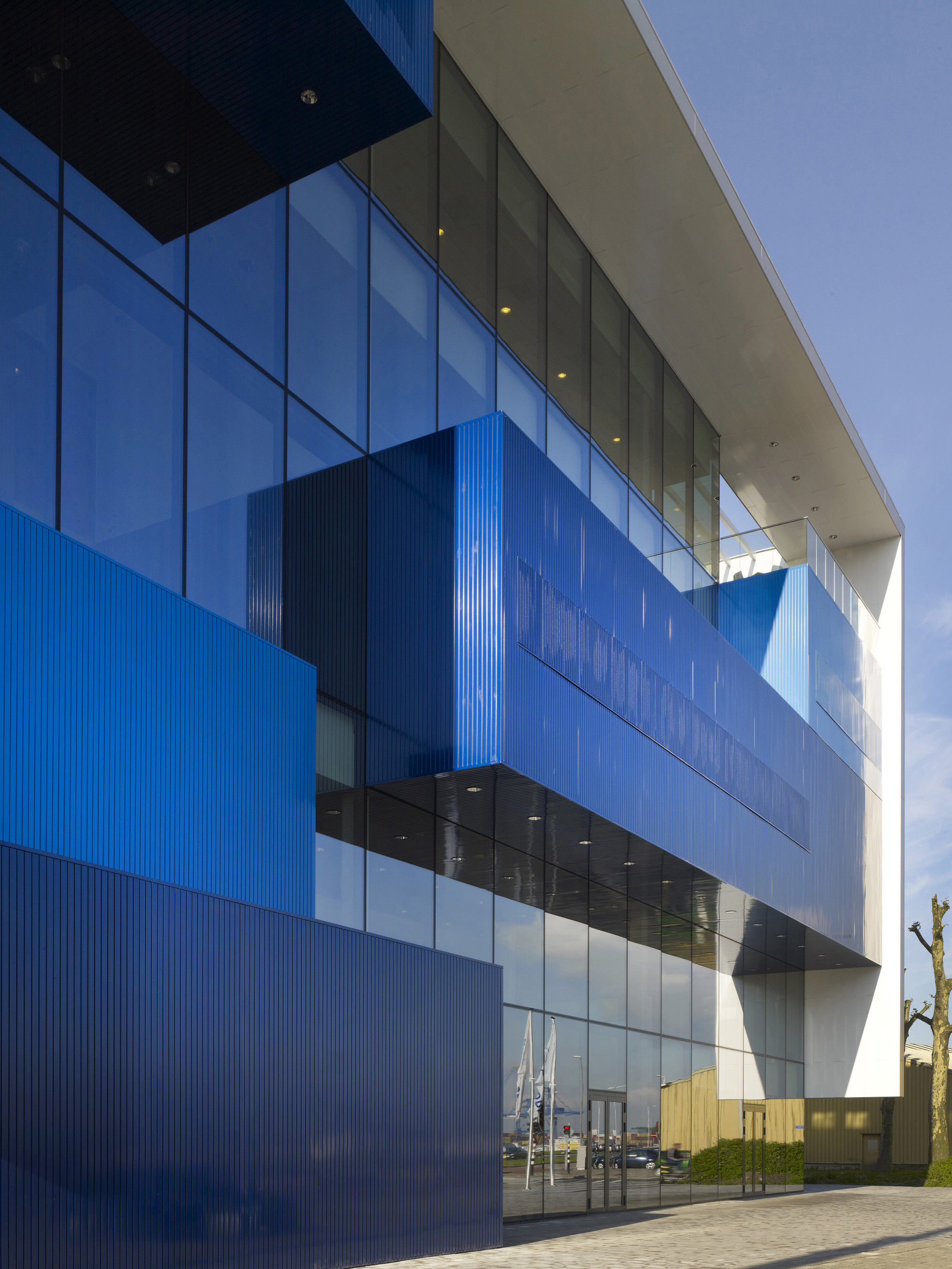 Shipping and Transport College / DP6