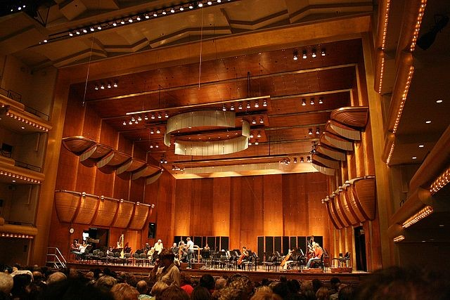 Interior of Avery Fisher Hall. Courtesy of Wikipedia Commons User Mikhail Klassen at en.wikipedia